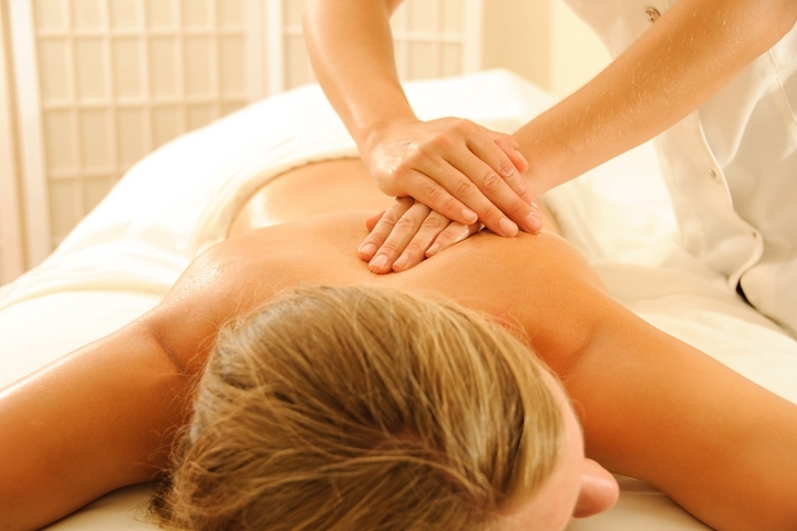 8 HEALTH BENEFITS OF MASSAGE THERAPY SESSIONS